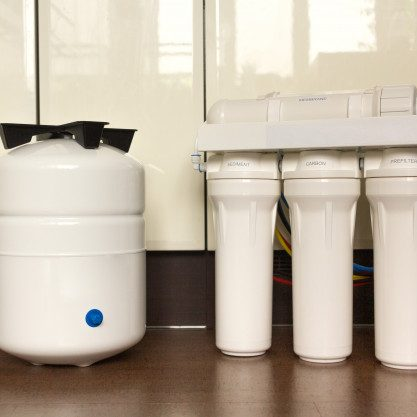 water-filter-system-osmosis-water-purification-cartridges_97867-50
